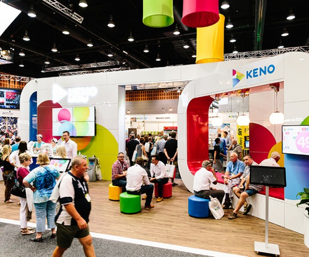 AHG_150324_0276_exhibitors